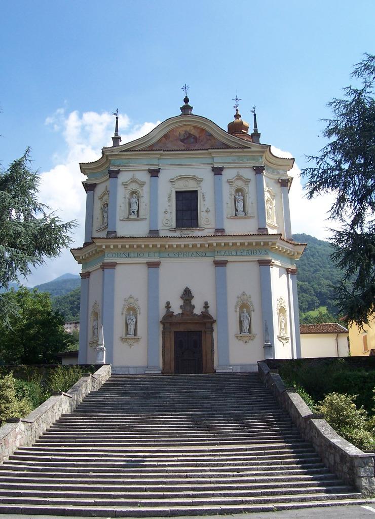 Chiesa_SS._Cornelio_e_Cipriano_-_Artogne_(Foto_Luca_Giarelli).jpg